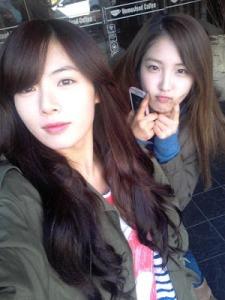 hyuna_nam_ji_hyun_selca_120226