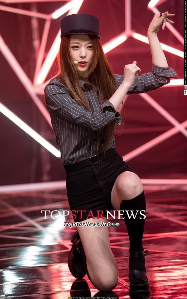"""f(x) Hentikan Promosi untuk """"Red Light"""", Sulli akan Hiatus ... F(x) Amber Red Light Live"""
