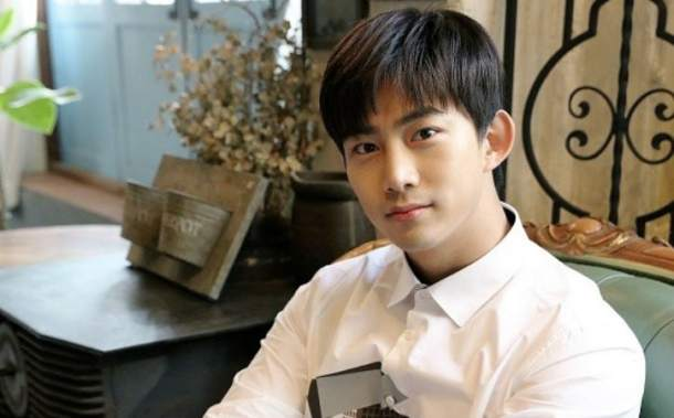 2PM-Taecyeon-1.jpg